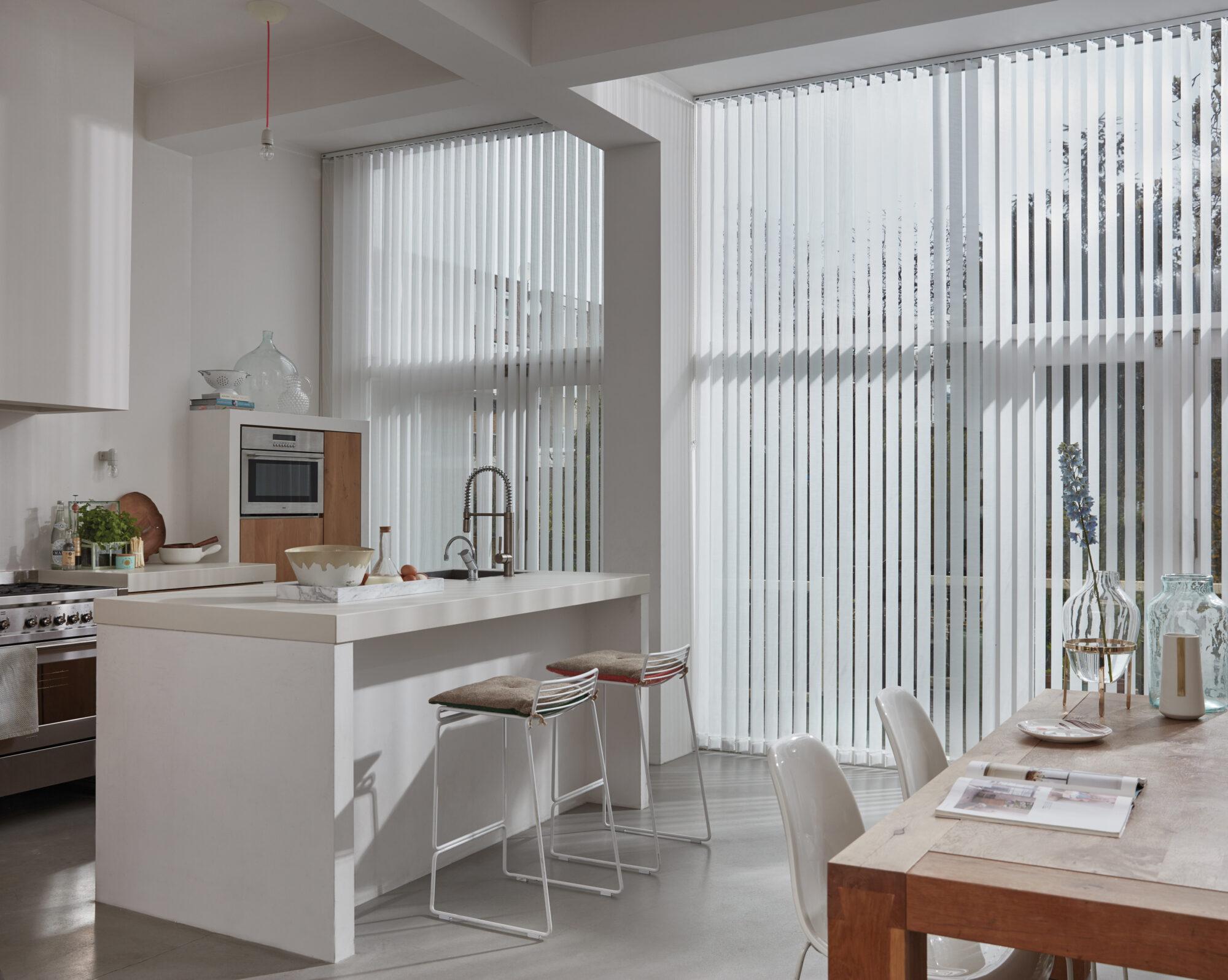 Verticale jaloezieën Luxaflex raamdecoratie
